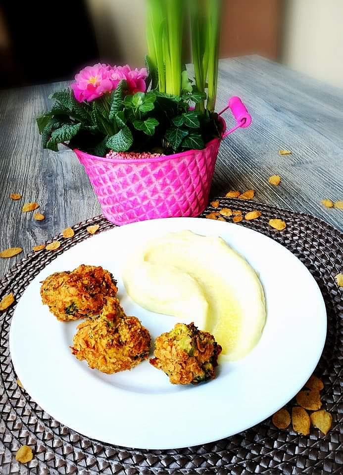 Brokolice v cornflakes a parmezánu.