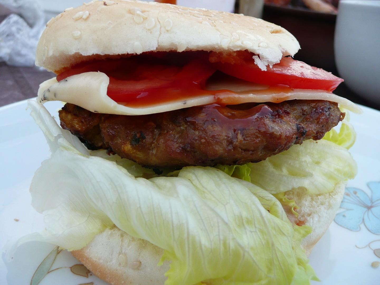 Hamburger na grilu