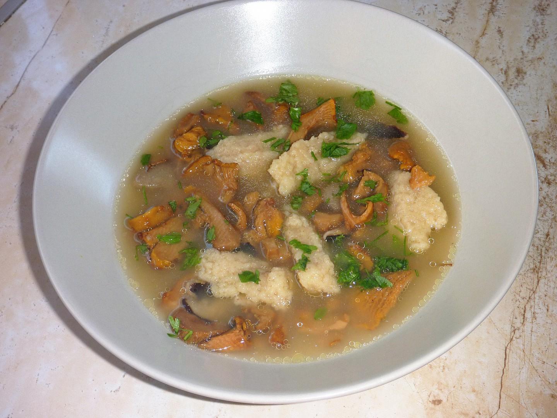 Houbová polévka jednoduchá a chutná