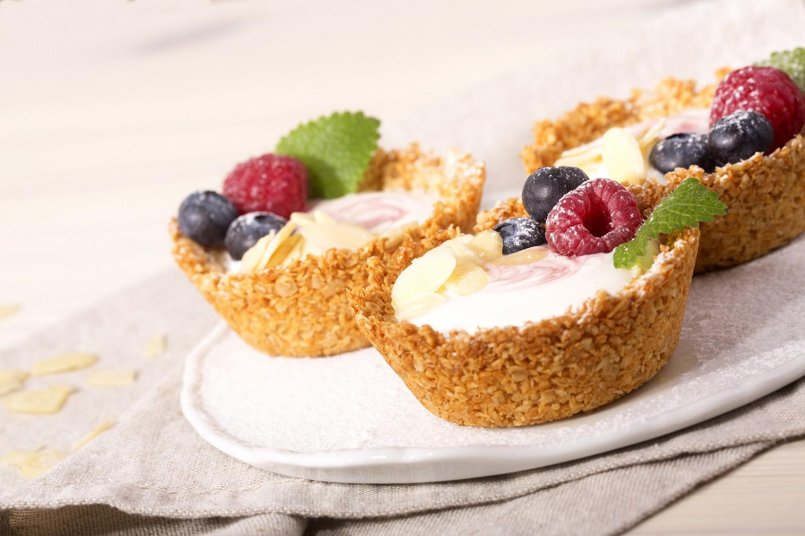 Košíčky s ovocem plněné jogurtem