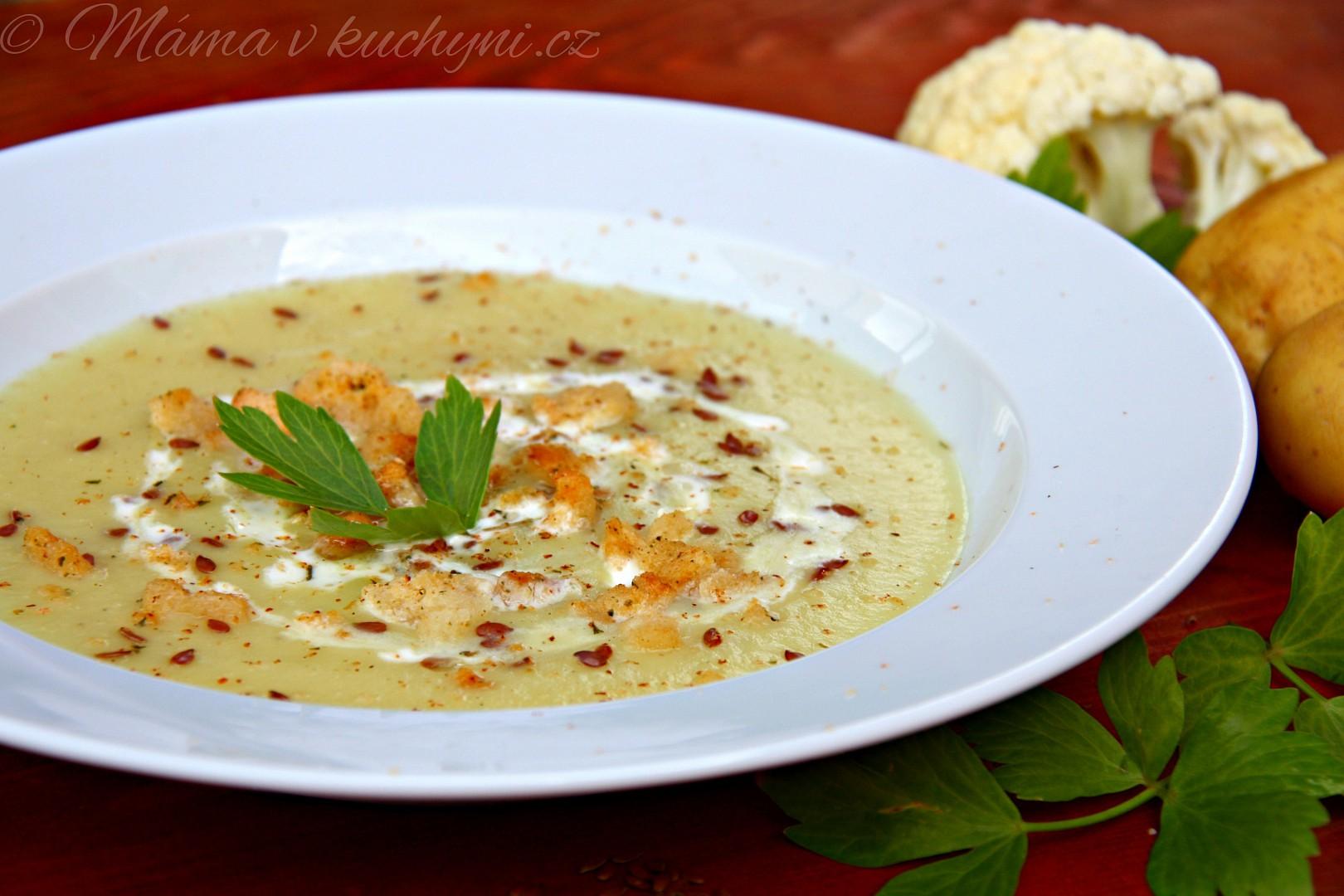 Květákovo-bramborová krémová polévka