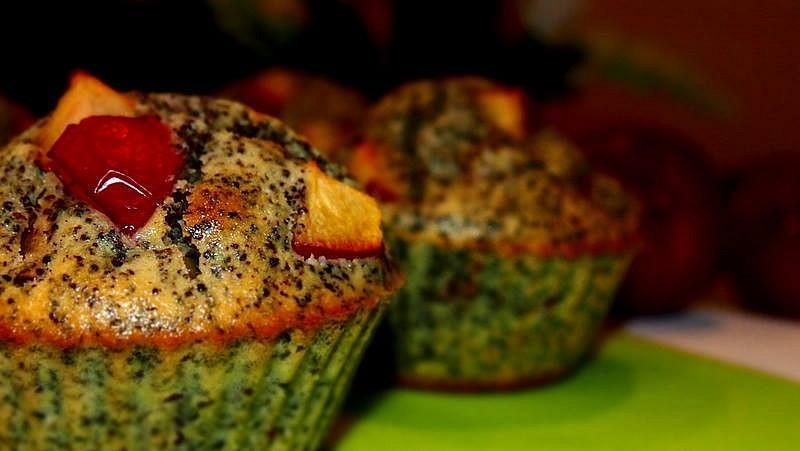 Makové muffiny se švestkami