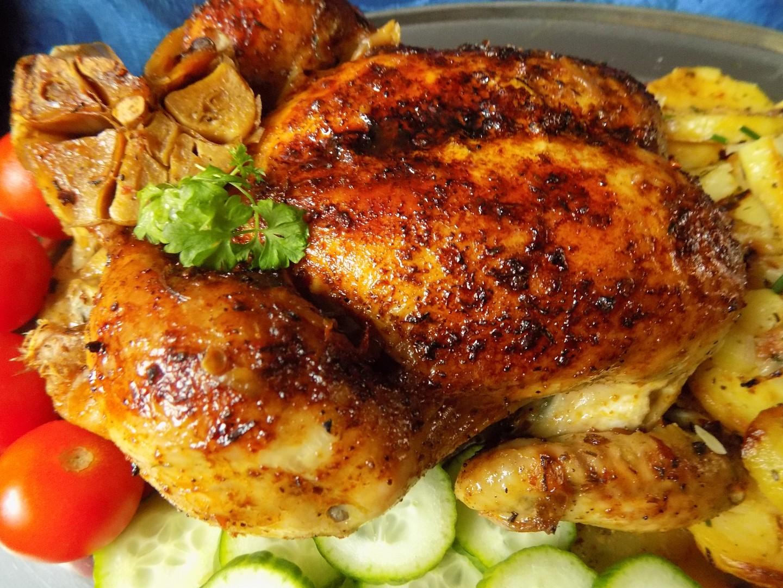Pomalu pečené kuře v pečícím sáčku na cibuli