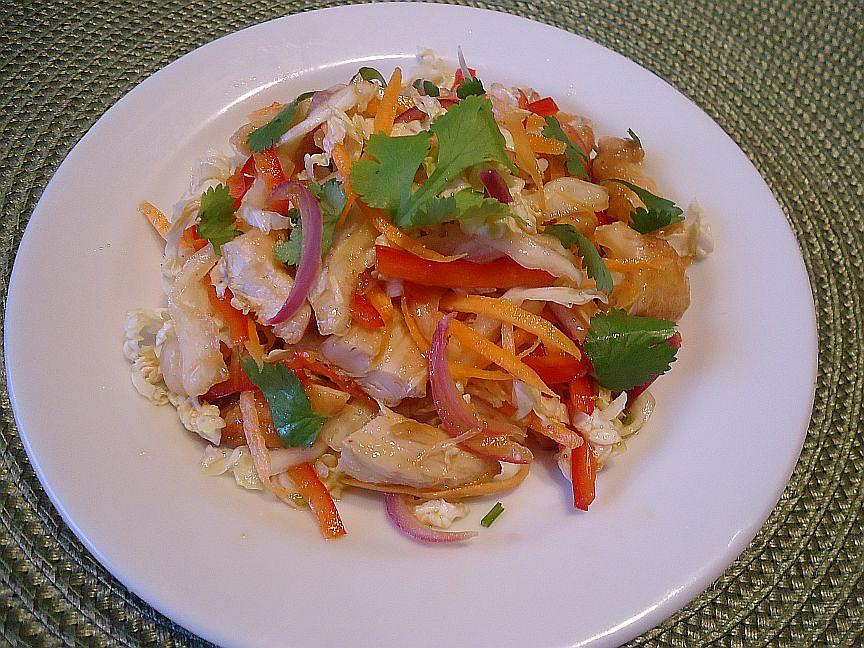 Thajský salát z pekingského zelí