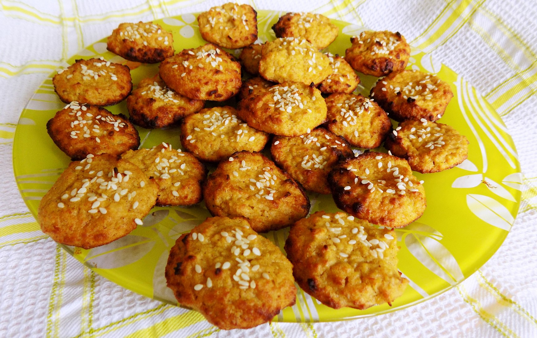 Zdravé cizrnové sušenky se skořicí