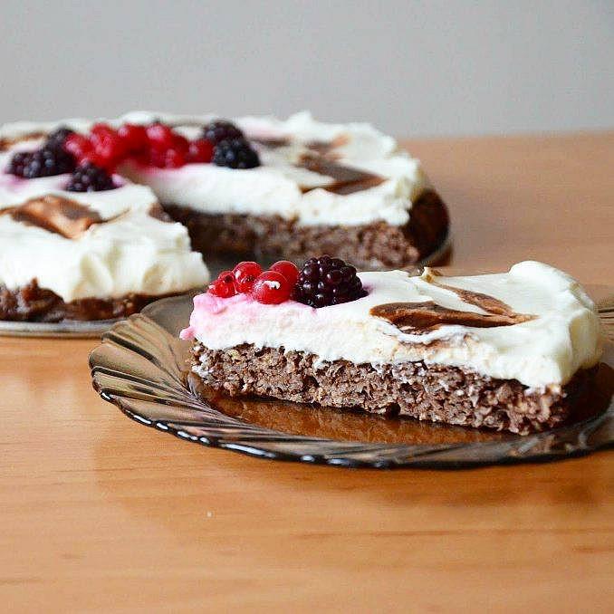 Zdravý kakaový dortík s pudinkem a tvarohem
